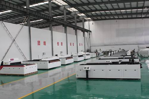co2 laser cutting machine workshop
